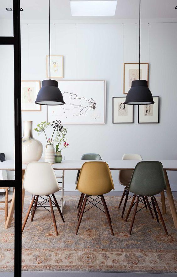 eetkamer stoelen oker interieurstyling woonkamer
